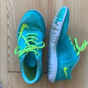 Nike Neon Sneaker